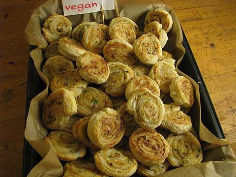 pikante Blätterteigschnecken -vegan