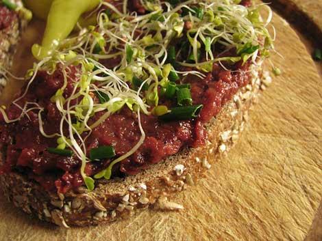 aufstrich entdeckung getrocknete tomate plus rote beete unverbissen vegetarisch. Black Bedroom Furniture Sets. Home Design Ideas