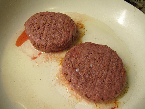 ausblutende vegane Burger